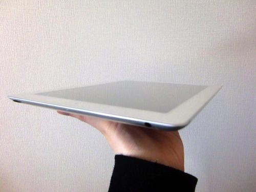 新しいiPad開梱の儀 薄さ